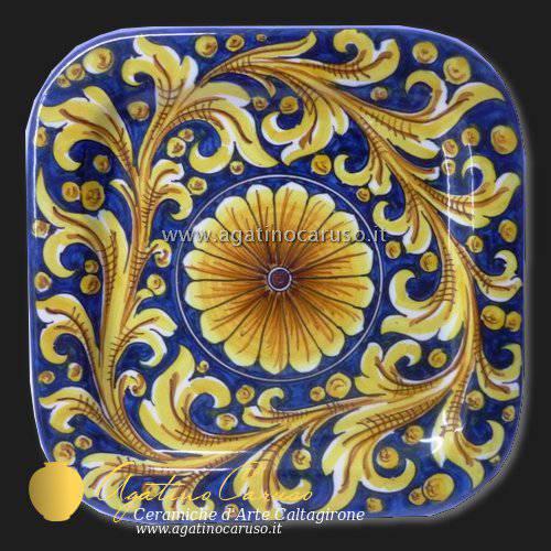 Piatti Ceramica Di Caltagirone.Piatti Quadrati Ornato Ceramiche Di Caltagirone Agatino Caruso