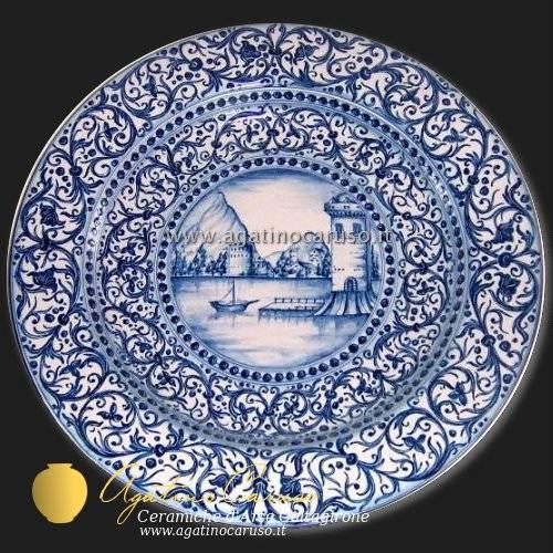 Piatto Laguna con paesaggio in monoscromia blu. Prodotto dalle Ceramiche di Caltagirone Agatino Caruso