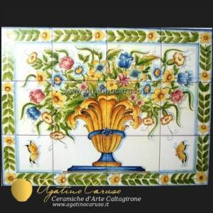 Pannello in ceramica dipinto a mano