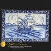 Pannello in ceramica di Caltagirone dipinta a mano. Veliero, nave in blu