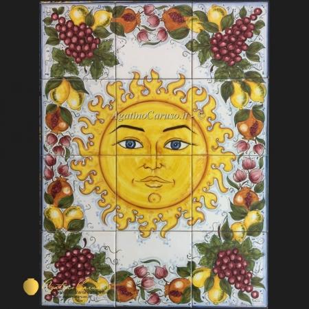 Pannello in ceramica artistica dipinto a mano raffigurante sole e frutta